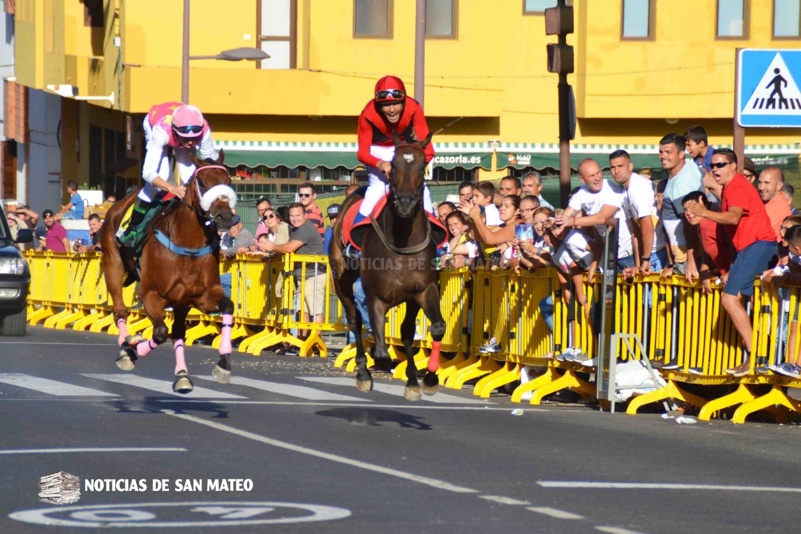 Carreras de caballos en San Mateo Avda. Tinamar Foto Laura Miranda 21 de sept 2018 Noticias de San Mateo