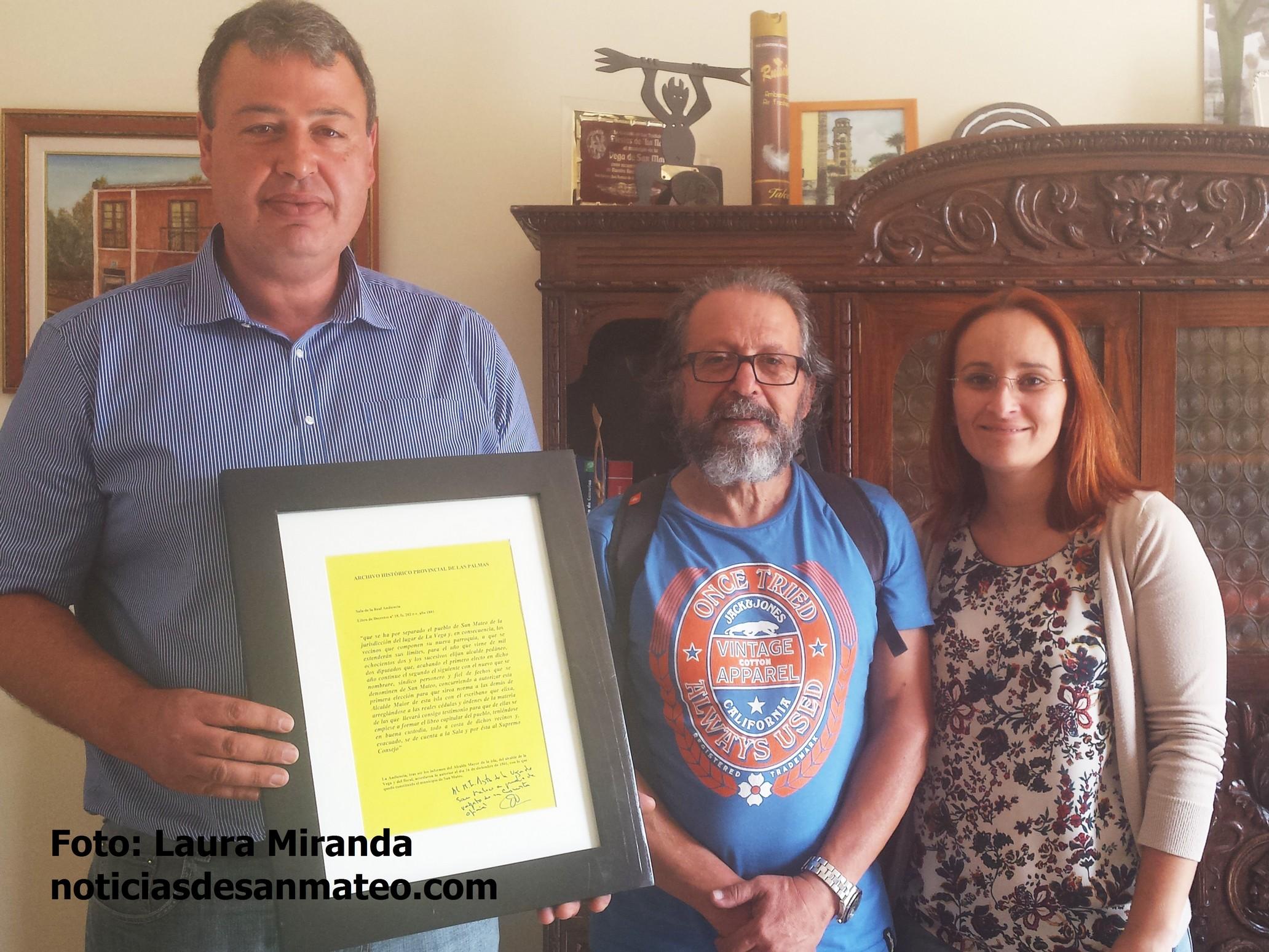 Entrega acta constitucion del municipio