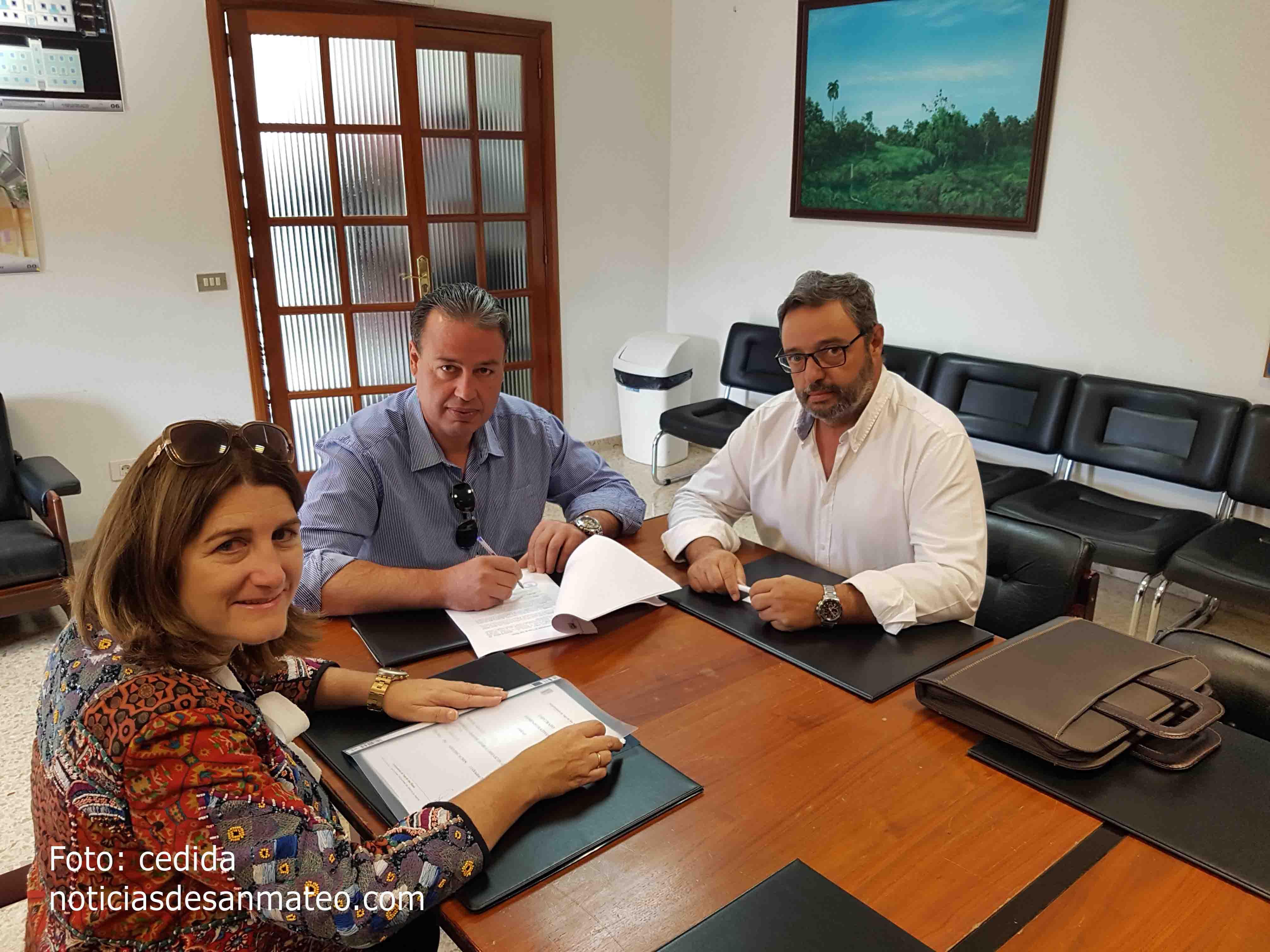 Firma OHL y Ayto San Mateo obra plaza del pueblo Noticias de San Mateo Laura Miranda