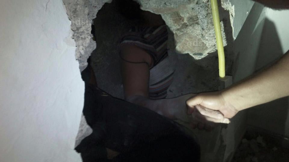 Mujer restacada La Yedra atrapada muros NDSM