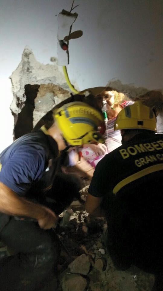 Mujer restacada La Yedra atrapada muros NDSM 2
