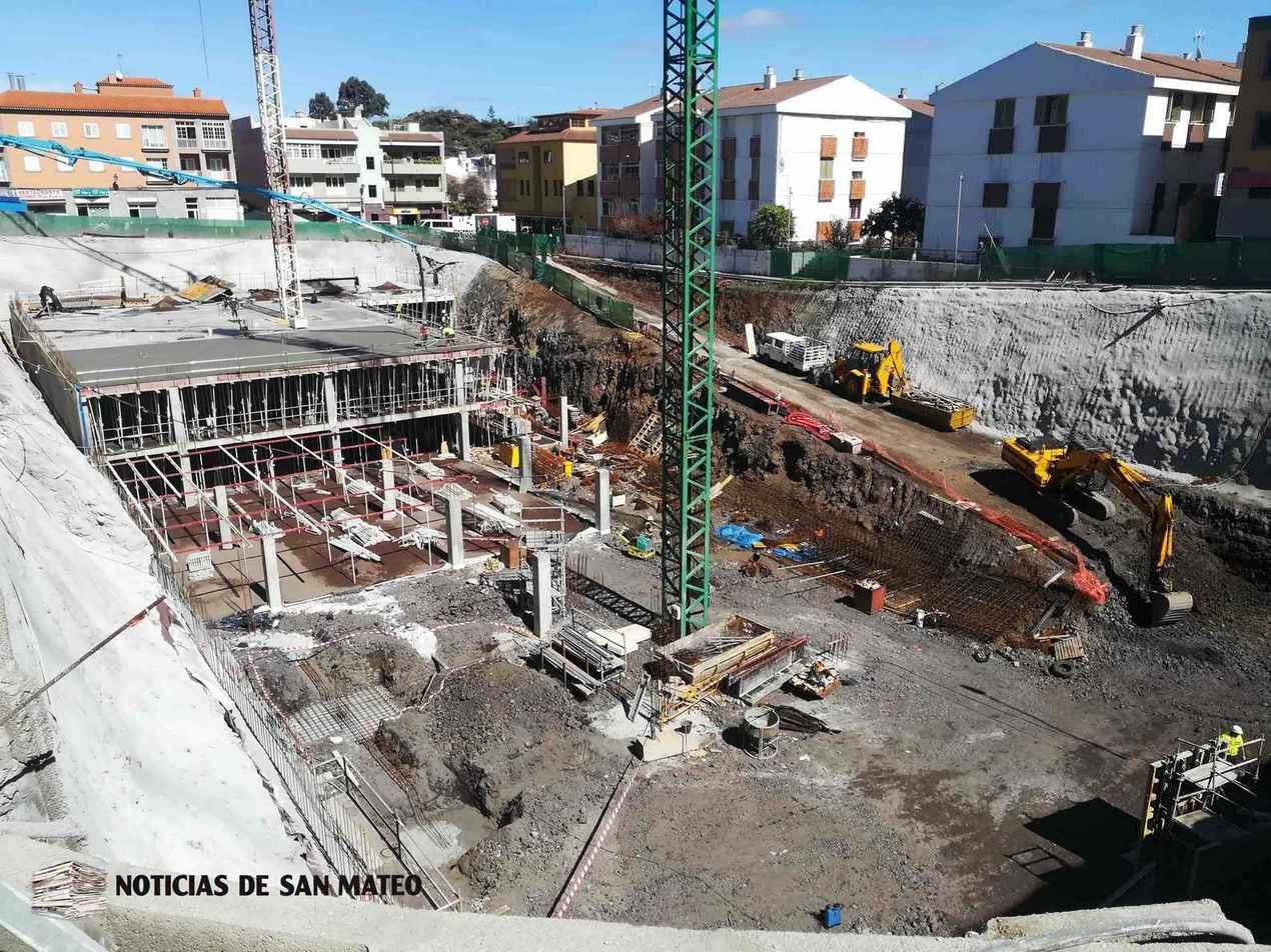 Obra plaza del pueblo 22 de febrero de 2019