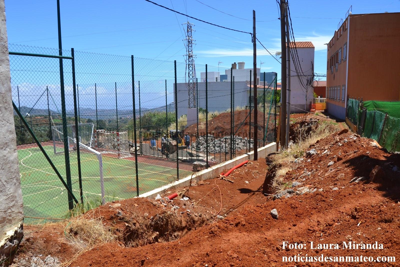 Obras muro de refuerzo cancha La Solana Junio de 2014 Foto Laura Miranda Noticias de San Mateo 1