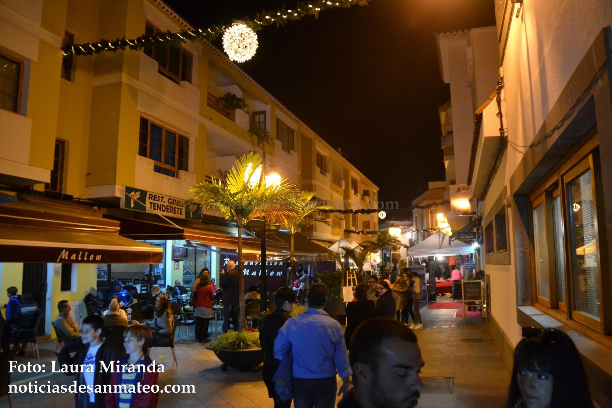 Santa Brigida comercios noche Foto Laura Miranda Noticias de San Mateo