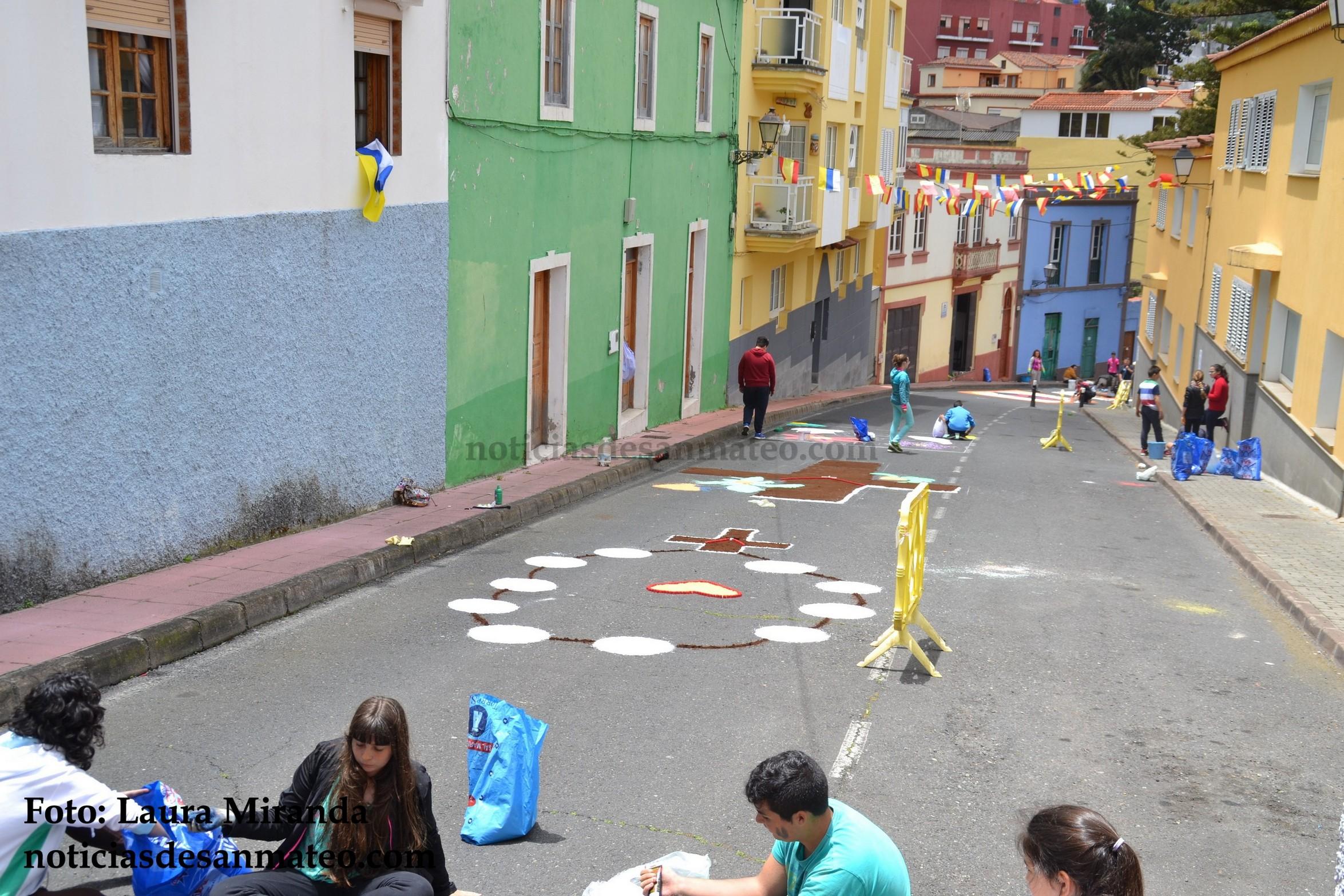 alfombras calle lourdes foto laura miranda 2016