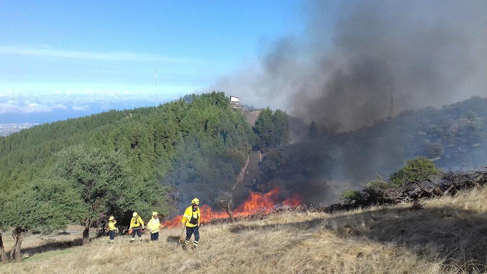 incendio sigue activo