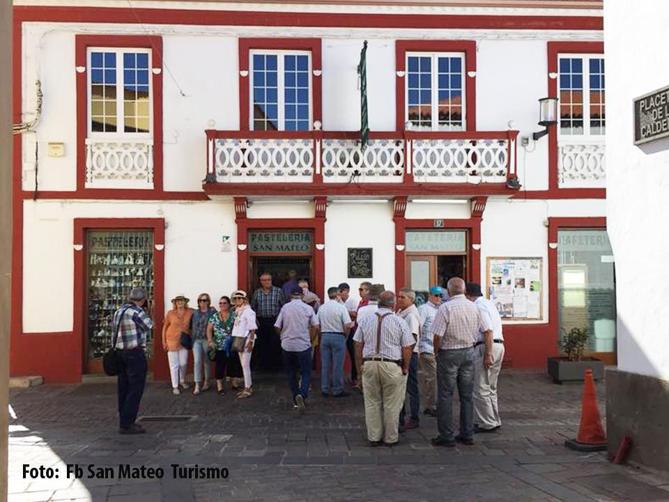 jubilados visitan san mateo foto turismo san mateo
