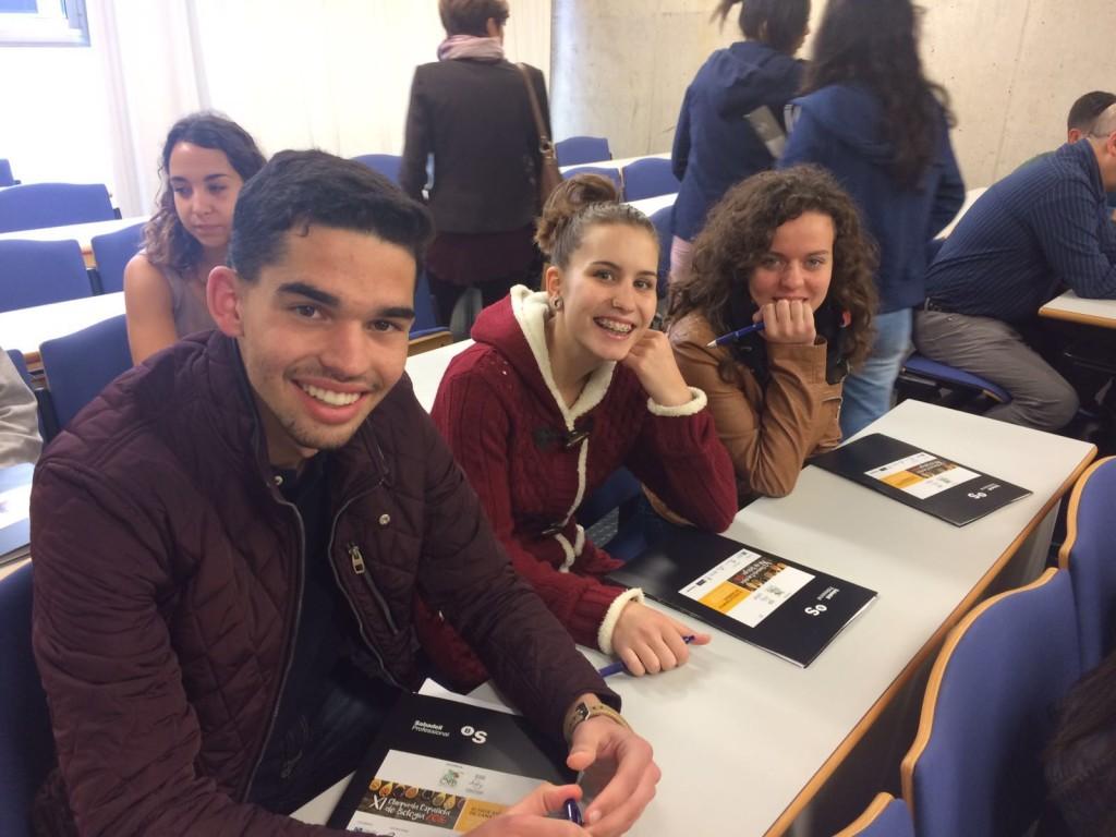 alumnos ies en olimpiada de biologia